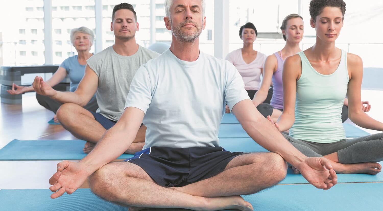 gerenciar dor nas costas com yoga