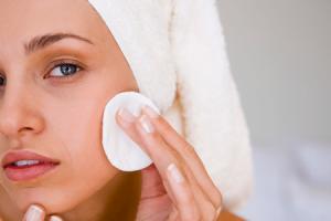 11 benefícios para a saúde da pele de hamamélis