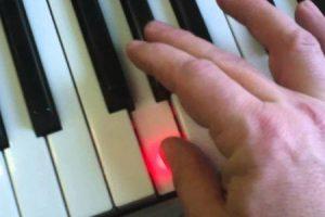 4 exercícios com os dedos para pianistas