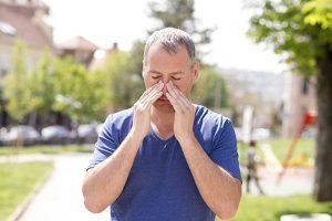 6 maneiras alternativas para tratar a sinusite ou infecção sinusal