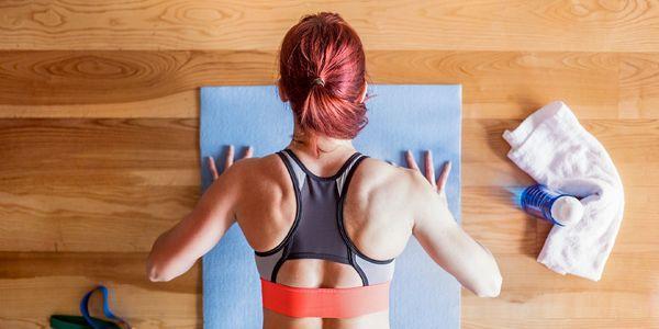 7 exercícios para se livrar da gordura na parte de trás do pescoço