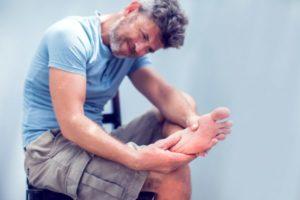 8 razões pelas quais seus pés estão sempre frios