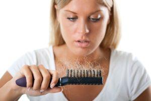 A fibromialgia causa perda de cabelo
