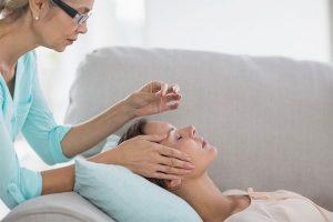 Como funciona a terapia com acupuntura e quais são seus benefícios?