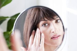 O ácido salicílico é ruim para sua pele?