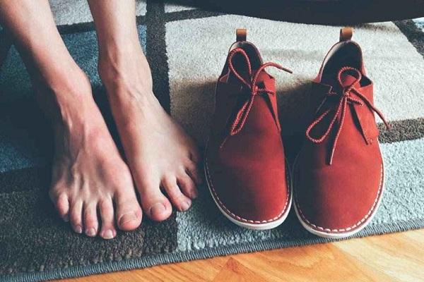 Hipotireoidismo sintomas pés quentes de