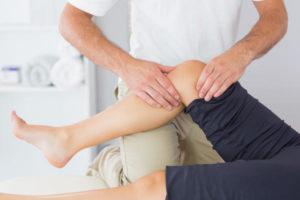 O que pode causar inchaço acima do joelho