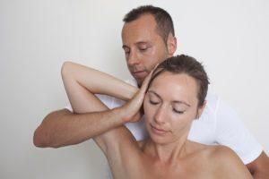 Pode um quiroprático ajudar com dores de cabeça?