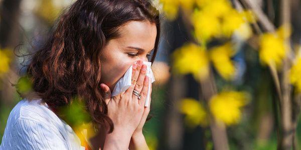 Quão seguro e eficaz é benadryl para tratamento de alergia