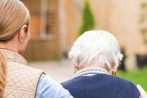 Quais são os cinco estágios da doença de Parkinson