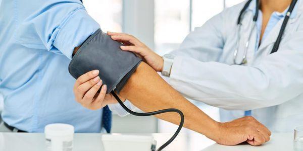 Quais são os efeitos colaterais da medicação para pressão alta