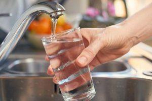 Quais são os efeitos colaterais do excesso de flúor no corpo