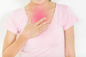 Qual é a causa da azia e refluxo ácido?