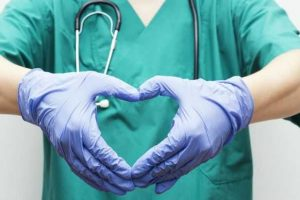 Quanto tempo leva para o seu peito curar após uma cirurgia de coração aberto