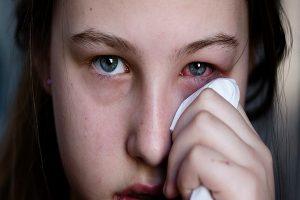 Quanto tempo leva para recuperar-se da infecção ocular e seus prós e contras