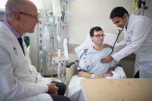 Quanto tempo você fica no hospital depois de uma substituição da válvula cardíaca?