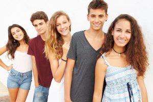 Sinais e Estágios da Puberdade em Meninos e Meninas