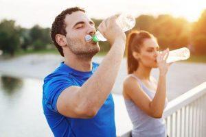 a água potável faz você suar mais