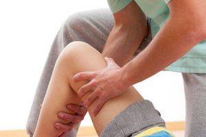 bata os joelhos ou genu valgum