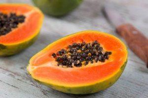 benefícios de saúde surpreendentes de sementes de mamão você deve saber