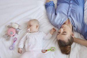 como conseguir que seu bebê durma bem à noite