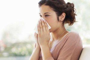 como diferenciar entre infecção por frio e sinusite