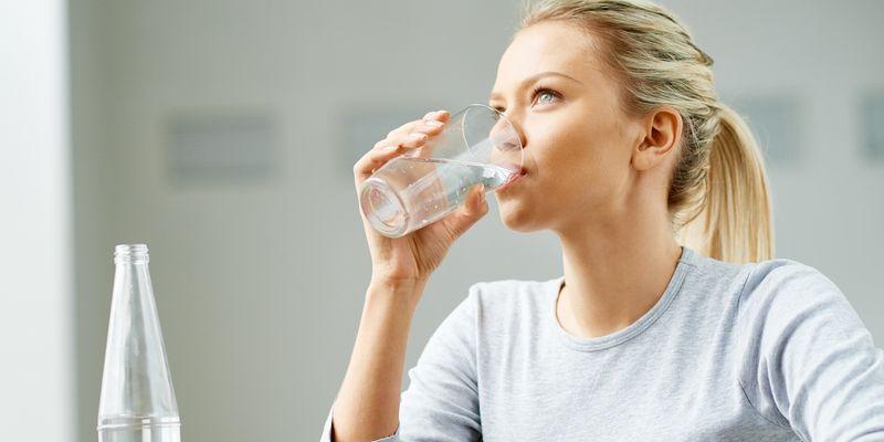 como faço para me livrar do excesso de água no meu corpo