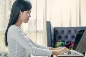 como pode a má postura no trabalho afetá-lo e como melhorá-lo
