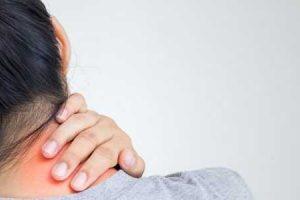 deslocamento de vértebras cervicais