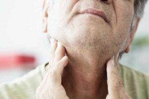 dor de garganta devido a faringite viral