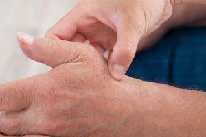 dor no quadril causada por artrite psoriática da articulação do quadril provoca sintomas tratamento pt cirurgia