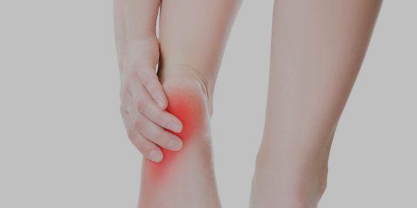 esporão de osso na lateral do pé