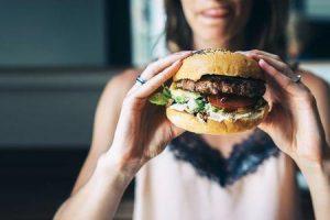 evite esses alimentos se o seu sangue for muito fino