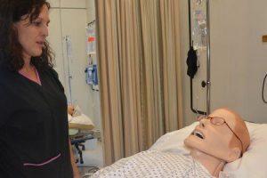 exame físico para dor abdominal ou dor de estômago inspeção palpação auscultação