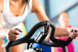 exercícios aeróbicos indoor para obesidade
