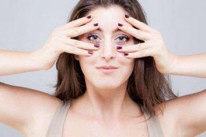 ioga de rosto ou ioga facial obter um facelift natural aumentar seus benefícios de exercícios de simetria facial