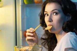 maneiras de parar de comer compulsivamente à noite