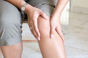 não pode endireitar o joelho sem dor