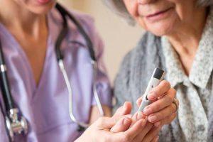 o que é a síndrome hiperosmolar diabética e como ela é tratada