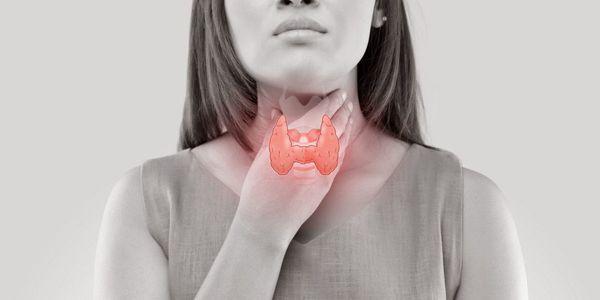 o que é tiroidite induzida por drogas