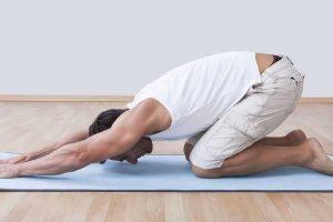 o que é yoga diferentes posturas de yoga e seus benefícios sobre os ossos articulações dos músculos sistema cardiovascular de saúde mental