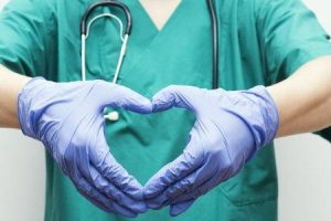 o que acontece em uma cirurgia de bypass e é uma cura para a doença coronariana