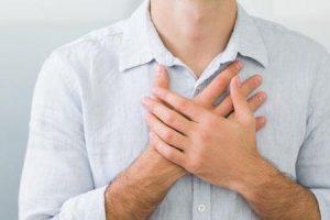 o que causa a raiz da aorta aumentada