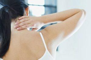 o que pode causar dor na nuca e como é tratada