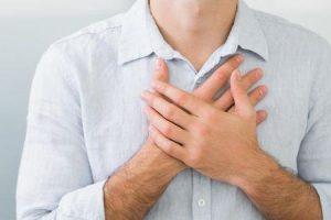 o que provoca um aneurisma abdominal