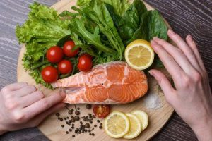 por que comer salmão é benéfico para comer salmão na saúde e na pele
