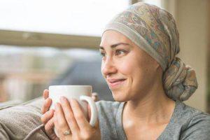 por que o cabelo cresce de volta após a quimioterapia