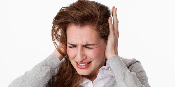 pressão alta pode causar zumbido nos ouvidos