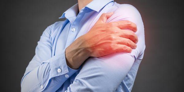 primeiros sinais de ombro congelado