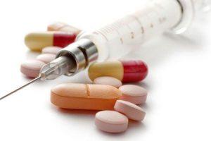 quão eficaz é a eritromicina sua dosagem e efeitos colaterais
